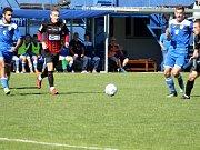 Z utkání Havířov (v modrém) - Opava B.