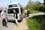 ADRA pomáhá dětem a rodinám v Mukačevu a okolí. Vykládka pomoci pro školu společnou pro obce Bukovinka.a Kučava.