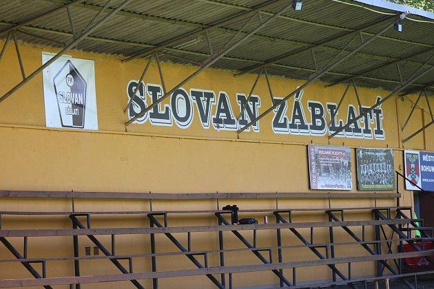 Areál fotbalového Záblatí.