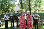 V neděli se v kapli sv. Anny konala mše a po ní v blízké zahradě Domu PZKO Annenská pouť.
