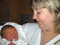 Michalek je první miminko paní Martiny Moučkové z Karviné. Narodil se 13. 12. Porodní váha Michalka byla 3 810 g a míra 50 cm.