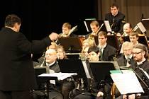 Karvinský dechový orchestr Májovák odehrál v domě kultury v Karviné svůj tradiční Novoroční koncert.