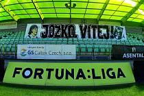 Fanoušci Karviné přivítali před sobotním utkáním 26. kola FORTUNA:LIGY s Plzní kouče Jozefa Webera povedeným choreem.
