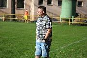 Zasmušilý trenér Těšína Richard Beneš.
