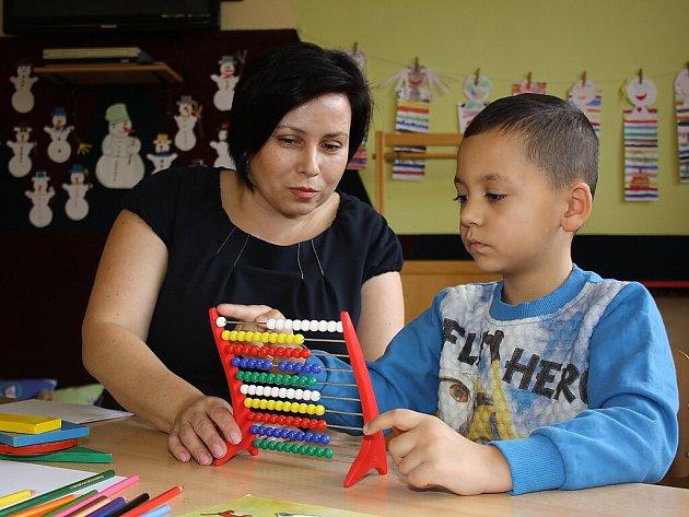 Zápis dětí do první třídy na ZŠ Moravská v Havířově-Šumbarku.