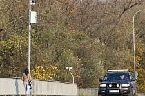 Na kovonském mostě v Karviné hlídá provoz nová kamera