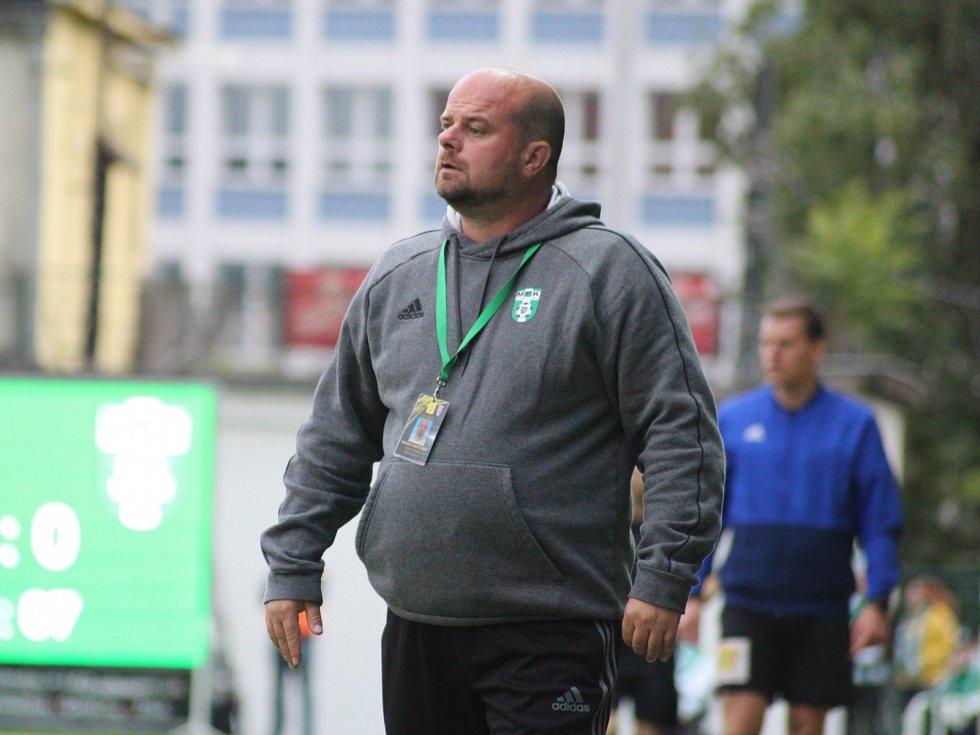 Trenér Karviné Roman Nádvorník.