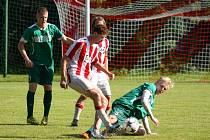 Karvinské béčko (v zeleném) svůj poslední zápas v divizi vyhrálo.