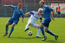 Havířov (modré dresy) si doma poradil s Petrovicemi 2:0.