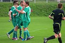 radost karvinských borců po vítězném gólu Bolfa.