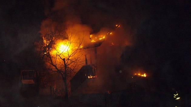 Požár domku v Orlové.