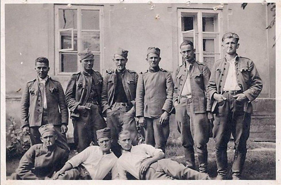 Váleční zajatci, Masarykovy sady, r. 1942