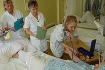 Zdravotní sestra při zkoušce