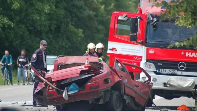 Tragická dopravní nehoda v Dolních Lutyních