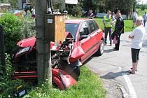 Nehoda dvou osobních automobilů v Prostřední Suché