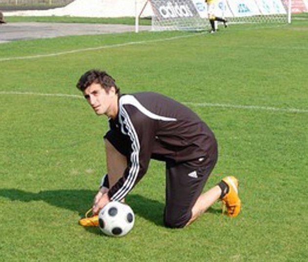 Argentinec Damiano při včerejším tréninku karvinských fotbalistů.