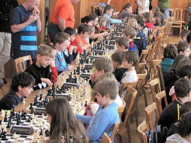 V sobotu se konalo ve Středisku volného času Asterix v Havířově 3. kolo Krajského přeboru mládeže v rapid šachu. Zúčastnilo se ho 104 hráčů z osmi oddílů.