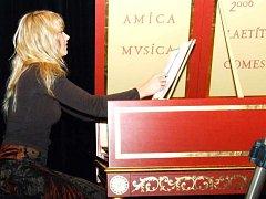 Kateřina Chroboková procestuje díky svému umění celý svět.