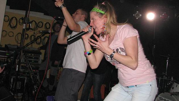 Na festivalu Dokořán v Karviné se představí také kapela Skyline v čele se zpěvačkou Markou Rybin.
