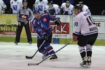 Hokejisté Orlové potvrdili doma roli favorita s odřenýma ušima.