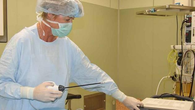 Nový přístroj bude využíván při chirurgických zákrocích.