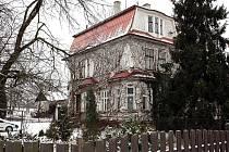 Secesní vila vedle polské školy ve Stonavě se promění v dům s obecními byty.