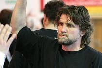 Rastislav Trtík již v Karviné v minulosti působil. Momentálně s klubem jedná o možném angažmá. Není však sám.