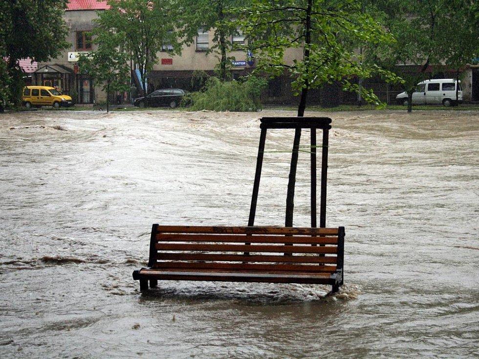 Rozvodněná Olše v Českém Těšíně