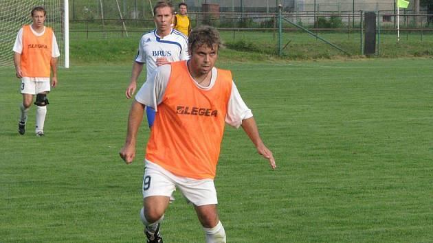 Celek Horní Suché (na snímku letní posila Tomáš Zima) zatím pravidelně boduje.
