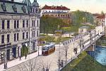 Tramvaj vjíždí na Hlavní třídu v Těšíně, rok 1916.