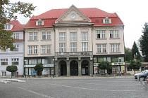 Radnice v Orlové z roku 1928 v současnosti