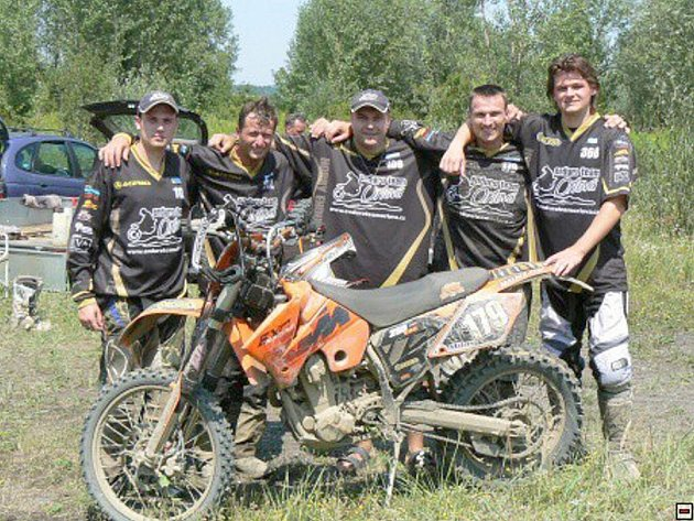 Jezdci orlovského Enduro teamu zahájili sezonu.