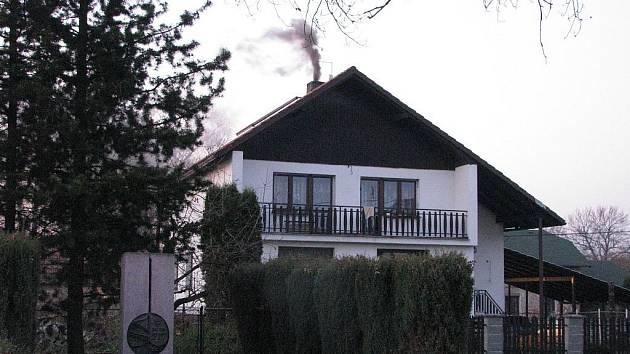 Obyvatelé Věřňovic, nejvíce zaprášené obce v zemi, si vzduch zamořují sami.