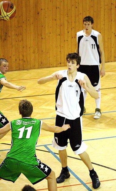 Jindřích Wisla (číslo 7) by mohl od nové sezony působit v Kroměříži.