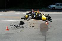Nehoda dvou motocyklů a osobního automobilu v Těrlicku