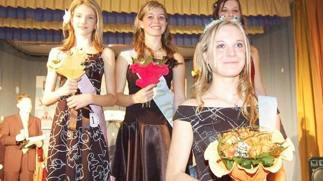 Vítězky karvinského kola soutěže Dívka roku