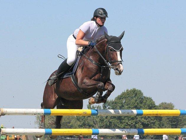 Vítězná jezdkyně na Lusy 2.