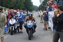 Motocykloví závodníci na Těrlickém okruhu