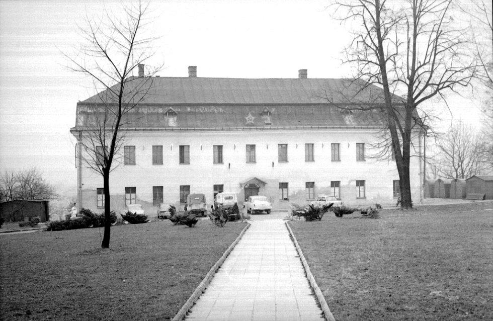 Zámek v šedesátých letech dvacátého století