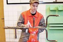 Jan Sikora dokázal vyhrát krajské kolo soutěže Učeň instalatér s velkým náskokem.