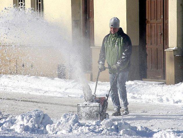 Odklízení sněhu pomocí frézy