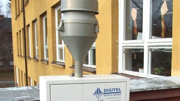 Filtr k měření množství prachu v ovzduší.