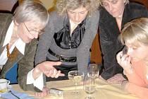 Polské učitelky poznávali různé druhy českých sýrů.