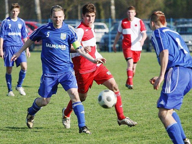 Fotbalistům Orlové se na jaře daří a už reálně atakují horní polovinu divizní tabulky.