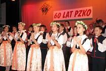 V programu oslav vystoupily taneční soubory.