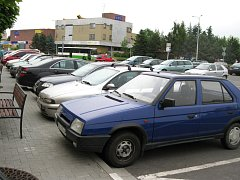 V centru města se bude za parkování platit