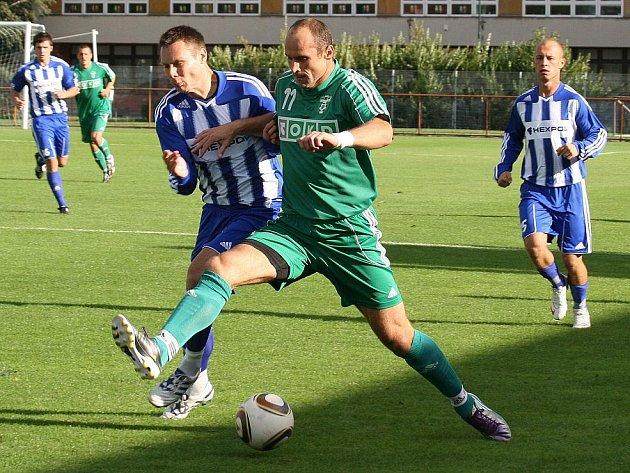 Martin Opic (v zeleném) se postaral o jediný gól Karviné v Čáslavi.