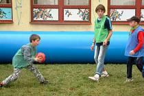 Mladé týmy fotbalistů si při Duhovém dni pořádně zahrály. Na celé čáře zvítězila radost z pohybu.