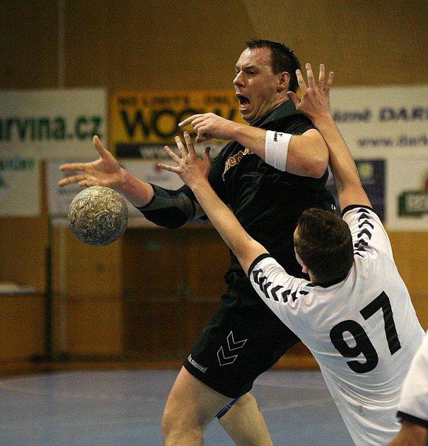 Havířovští hráči (v černém Petr Pomahač) zdolali doma Ostravu.
