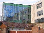 Škola v Přibyslavi se chlubí originálním logem, ale ve škole se rodí i originální nápady.